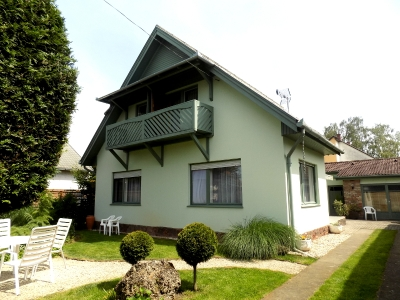 In Balatonlelle a waterside holiday house 150 meters from Lake Balaton is for rent for max 8+4   people