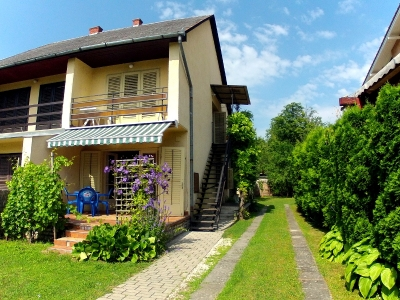 In Balatonföldvár, 150m from the Eastern Beach an apartment on the first floor is for  rent for max 4 people – Apartment E.2