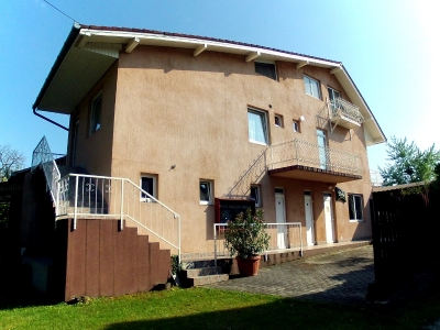 In Balatonföldvár, 150m from the Eastern Beach an air conditioned apartment in the  attic is for rent for max 5 people