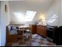 879, Balatonszemesen medencés apartmanházban klimatizált tetőtéri apartman kiadó