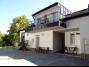 Balatonbogláron a Balatontól 150 méterre új építésű apartmanházban földszinti apartman kiadó
