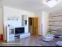 Balatonbogláron közvetlen vízparti modern 3 szobás földszinti apartman kiadó
