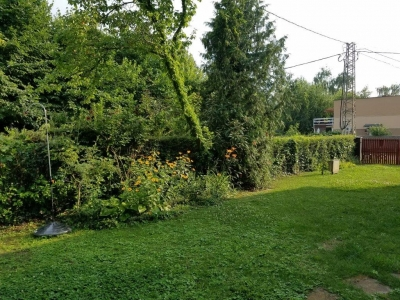 Zamárdiban Balatontól 30 méterre önálló kertkapcsolatos nyaraló kiadó