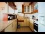 955, Vízparti lakóparkban teljes panorámás, modern 3 hálószobás apartman kiadó max. 6 vendégnek