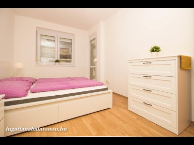 Copy: Balaton-parti 2 szobás apartman kiadó max. 4+1 fő részére